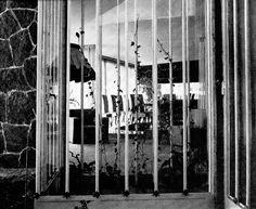 Vista desde el vestíbulo hacia el comedor, Casa en Polanco, Wallon 428, Rincón del Bosque, Polanco, Miguel Hidalgo, México DF 1948 (destruido)  Arq. Carlos Lazo -   View from the vestibule towards the dining room, House in Polanco, Wallon 428, Rincon del Bosque, Polanco, Miguel Hidalgo, Mexico City 1948 (destroyed)