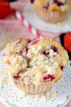 Strawberry Coffee Cake Muffins | www.livingbettertogether.com