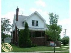 $775     MLS# 212031685  RS, ACTV       375 LIBERTY  PLYMOUTH, Michigan 48170   1 Bedroom 1 Baths  Garage: NO GARAGE   Basement: UNFINISHED  800 SqFt  PLYMOUTH CANTON School District  1929 Year Built   Lot Size: 90X127  Fireplace: LIV RM