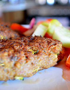 Salmon Burgers, Ethnic Recipes, Food, Salmon Patties, Meals, Yemek, Eten