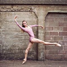 Kristina Lind photographed by Ballet Zaida