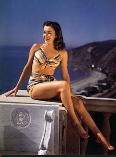 Marilyn Monroe Norma Jean Vintage Pin up Print Incredible Legs Awesome photo Joven Marilyn Monroe, Estilo Marilyn Monroe, Marilyn Monroe Fotos, Young Marilyn Monroe, Norma Jean Marilyn Monroe, Marilyn Monroe Brunette, Hollywood Stars, Classic Hollywood, Old Hollywood