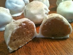 Cinco de Mayo dessert: Churro Cake Ball Truffles! Yum! Mini Desserts, Just Desserts, Delicious Desserts, Yummy Food, Cupcakes, Cake Truffles, Cupcake Cakes, Truffles Recipe, Cake Ball Recipes