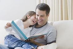 How to Help Struggling Readers Does your child frequently guess words as opposed to employing reading strategies like context clues? Here's how to step in when reading is hard.reference for parents? David Shannon, Reluctant Readers, Struggling Readers, Reading Resources, Reading Strategies, Parent Resources, Reading Habits, Reading Books, Children Reading
