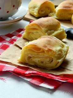Taste of life: Zorkina lisnata pita Albanian Recipes, Croatian Recipes, Savory Pastry, Savory Tart, Puff And Pie, Bread And Pastries, Chocolate Desserts, No Cook Meals, Bakery