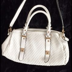 White Convertible Bag Bag with removable 26 inch shoulder strap, top handles, 6 inch drop. gold hardware. EUC. Vegan Leather. Lovely Creamy White, Lots of Interior Pockets! Bags