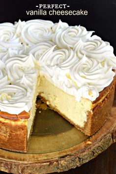 If you're hoping to make the PERFECT VANILLA CHEESECAKE recipe, start with my basic tips and tricks! Creamy, light, and delicious! Best Dessert Recipes, Recipes Dinner, Fun Desserts, Holiday Recipes, Delicious Desserts, Snack Recipes, Cooking Recipes, Bakery Recipes, Party Recipes