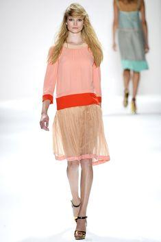 Jill Stuart Spring 2012 Ready-to-Wear Fashion Show - Maud Welzen