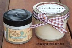 Avoid nasty chemicals with homemade deodorant. This Primal Pit Paste inspired natural deodorant is aluminum free, paraben free and even cheaper than the commercial stuff! #FaceScrubHomemade Homemade Deodorant, Homemade Moisturizer, Face Scrub Homemade, Moisturizer For Dry Skin, Homemade Skin Care, Natural Deodorant, Homemade Beauty Products, Natural Products, Deodorant Recipes