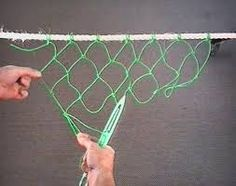 Paracord: The Ultimate Survival Tool - Way Outdoors Net Making, Lace Making, Survival Prepping, Survival Skills, Rope Knots, Fishing Knots, Fish Camp, Filets, Bushcraft