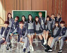 Bts Jungkook And V, Gfriend Sowon, Bts Group Photos, Kpop Couples, G Friend, Queen B, Ulzzang Boy, Bts Lockscreen, Asian Boys