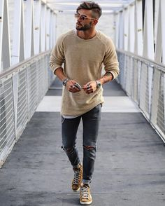 Moda masculina casual fashion sweaters ideas for 2019 Mode Outfits, Casual Outfits, Men Casual, Guy Outfits, Simple Outfits, Summer Outfits, Man Outfit, Casual Styles, Mens Casual Belts