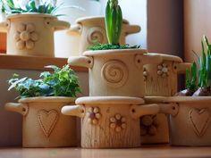 Keramická dílna Hliněnka Ceramic Planters, Ceramic Vase, Ceramic Pottery, Planter Pots, Ceramica Artistica Ideas, Clay Crafts, Diy And Crafts, Potters Clay, Pottery Pots