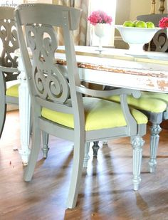 Dining Room Makeover - painted chairs in a contrasting color!