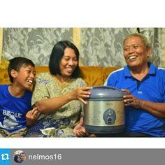 keluarga kecil bahagia bersama Yong Ma yang selalu hadir menghangatkan suasans
