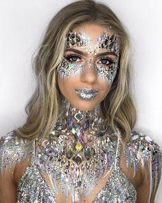62 Ideas makeup glitter carnaval ice queen for 2019 Makeup Carnaval, Costume Carnaval, Rave Halloween, Halloween Man, Ice Queen Makeup, Ice Queen Costume, Rhinestone Makeup, Jewel Makeup, Glitter Make Up