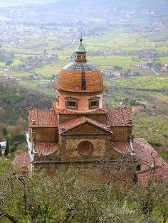 Places to Visit in Tuscany Cortona, Italy Vacation Places, Places To Travel, Tuscany Italy, Sorrento Italy, Naples Italy, Sicily Italy, Venice Italy, Under The Tuscan Sun, Regions Of Italy