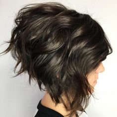 Wavy Inverted Dark Brown Bob Gewellter umgekehrter dunkelbrauner Bob , Wavy Inverted Dark Brown Bob , Hair styles Source by ampbajac. Inverted Bob Hairstyles, Wavy Hairstyles, Wavy Inverted Bob, Angled Bobs, Pixie Haircuts, Latest Hairstyles, Curly Stacked Bobs, Glamorous Hairstyles, Wedding Hairstyles