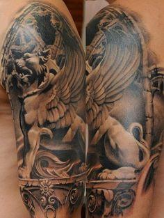 Tatuagem Ombro Realísticas Leão Estátua por Radical Ink