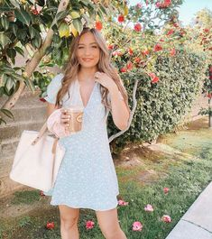 I can't believe it's February! One of my favorite months of the year! 🌸😍💕To celebrate I decided to stand oddly close to this massive rose… Cute Casual Outfits, Summer Outfits, Summer Clothes, Kristin Johns, Dress For Success, European Fashion, Feminine Style, Modest Fashion, Spring Summer Fashion