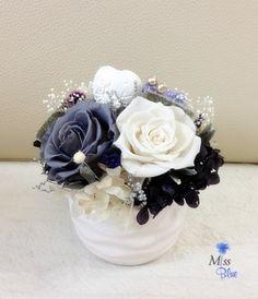 Flower Crafts, Diy Flowers, Paper Flowers, Beautiful Flowers, Art Floral, Floral Design, Bouquet Box, Small Centerpieces, Funeral Flowers