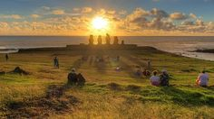 Isla de Pascuas #Chile Easter Island, Travelling Tips, South Pacific, South America, Monument Valley, Golf Courses, Mountains, Sunset, Outdoor
