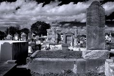 Best places for ghost busting in New Orleans, America's most haunted city New Orleans Halloween, Ghost Walk, Creepy Ghost, New Orleans French Quarter, Ghost Tour, Most Haunted, Cozumel, Spring Break, Attraction