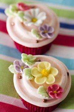 pretty little cupcakes...