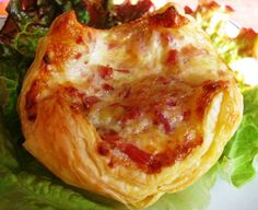 Recette - Feuilletés jambon / fromage | 750g No Salt Recipes, Lasagna, Entrees, Cabbage, Food Porn, Dinner Recipes, Lunch Box, Food And Drink, Nutrition