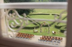 Outdoor Normandy wedding ceremony | Image by Katie Donnelly Photography