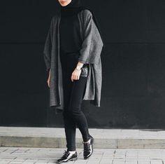Super Ideas For Style Hijab Casual Monokrom Hijab Casual, Hijab Chic, Casual Outfits, Hijab Fashion Casual, Ootd Hijab, Classy Outfits, Casual Chic, Muslim Fashion, Modest Fashion