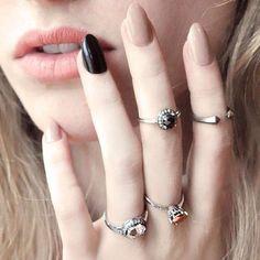 #taupe & black #4th odd nail # neutral #nail varnish