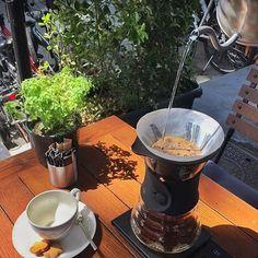 Kakao incir hindistan cevizi - Baharin son gününde Endonezya Java kahve Sedona'da içilir #kahveharitasi #kahveharitası #kahve #kahvekeyfi #hariov60 #hario #coffee #coffeeaddict #coffeebreak #coffeegram #coffeelovers #coffeeholic #coffeelove #coffeeoftheday #coffeeculture #coffeebeans #coffeescrub #coffee_inst #thirdwavecoffee #ucuncudalgakahveciler #coffeemap #sedona #sedonaconcept #sedonaconceptyeniköy #yeniköy #pourover #pourovercoffee #brewingcoffee http://ift.tt/20b7VYo