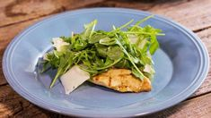 Katie Lee makes a Grilled Chicken Paillard with Arugula and Shaved Pecorino. Chicken Pillard Recipe, Katie Lee Food Network, Chicken Paillard, Arugula Salad, Dinner For Two, Grilled Chicken, Food Network Recipes, Meals, Dinners