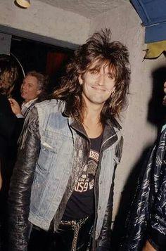 He is tommyººº! Hair Metal Bands, 80s Hair Bands, 80 Bands, Rock Bands, Tommy Lee Motley Crue, Pop Internacional, I Need To Pee, Rap, Mick Mars