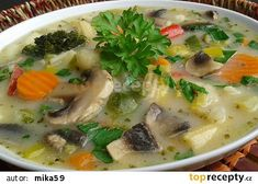 Zeleninovo-žampionová polévka recept - TopRecepty.cz Cheeseburger Chowder, Treats, Food, Soups, Sweet Like Candy, Goodies, Essen, Meals, Sweets