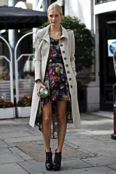 Poppy Delevingne's classic trench! That apple purse is SO cute!
