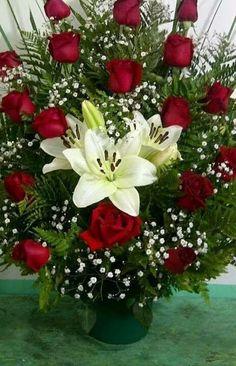 Funeral Floral Arrangements, Tropical Flower Arrangements, Creative Flower Arrangements, Church Flower Arrangements, Rose Arrangements, Beautiful Flower Arrangements, Beautiful Bouquet Of Flowers, Amazing Flowers, Beautiful Roses