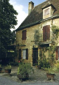 1000 images about stone houses in france on pinterest for Stone french country homes