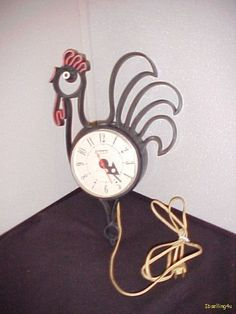Groovy rooster clock.