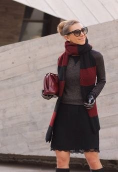 Eighteen Stylish Street Combos Of Sweaters And Skirts 1 2