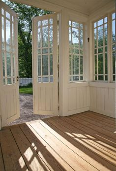 Indoor Gardens For Your Home Closed In Porch, Pergola, Home Remodeling Diy, Cozy Cottage, House Goals, Porches, My House, Sweet Home, New Homes