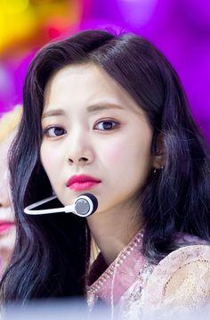 Chou Tzu Yu, Tzuyu Twice, Nayeon, Kpop, Chibi, Beautiful, Queen, Beauty, World