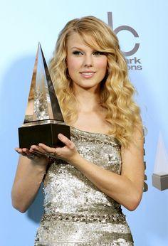 Taylor Swift Photos - The 2008 American Music Awards - November 23, 2008 - Zimbio