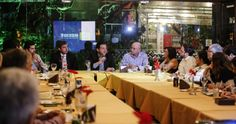O prefeito Geraldo Julio abriu, na noite desta quinta-feira (5), a primeira reunião do ano da Rede Gestão. No encontro, realizado no Pátio Café & Cozinha, nas Graças, o gestor fez uma apresentação do modelo de gestão da Prefeitura do Recife e mostrou os resultados do ano de 2104.