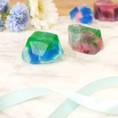 Crafts For Teens, Diy And Crafts, Diy Lip Balm, Homemade Soap Recipes, Diy Crystals, Body Soap, How To Make Diy, Good Healthy Recipes, Home Made Soap