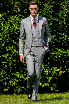 Gray and red Prince of Wales groom suit #groom #suit #luxury #menswear #madeinitaly