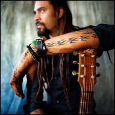 TUNES TUESDAY: MICHAEL FRANTI  <3 http://spiritualgangster.com/blogs/news/11911813-tune-tuesday-michael-franti-spearhead#content