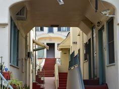 courtyard housing; Echo Park's Big Mama Court — The Eastsider LA