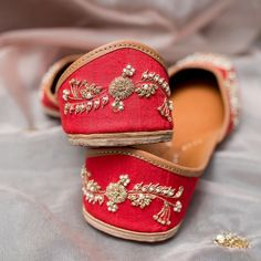 Lovely red juttis from Pastels and Prop A Cinderella Story, Indian Wedding Photography, Trending Now, Mehendi, Bridal Shoes, Indian Wear, Pastels, True Love, Footwear
